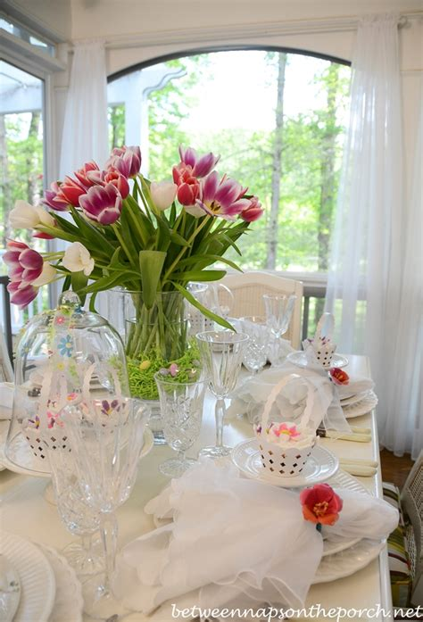 easter table spring setting  tulip centerpiece