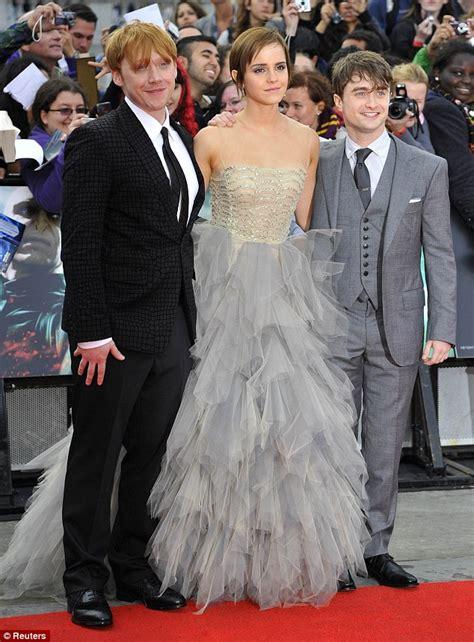 Harry Potter Premiere Emma Watson Wipes Away Her Tears