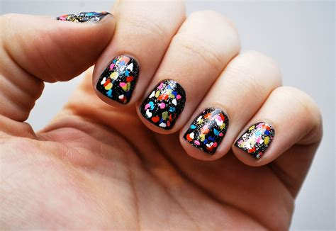 Nail Art Diy : Fourth Of July Nail Art That Puts The Stars In The