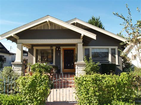 Find the perfect craftsman home floor plan for your family! Pin by Steffie Hands on Architecture | Craftsman bungalow ...