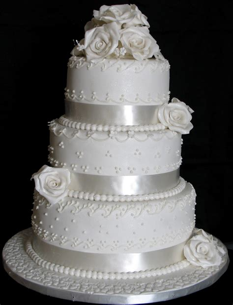 sugarcraft  soni  layer wedding cake white roses