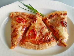Pizza In Der Mikrowelle : selbstgemachte pizza aus der kombi mikrowelle rezept mit bild ~ Buech-reservation.com Haus und Dekorationen