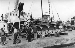 Tauchpanzer III Unternehmen Seelowe | World War Photos
