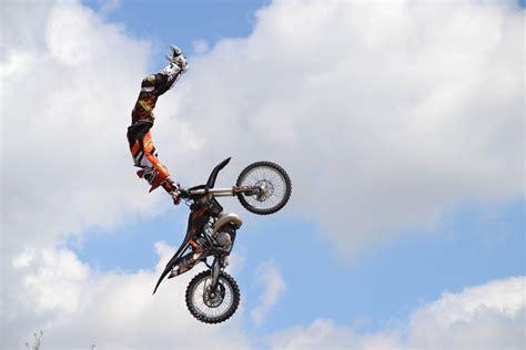 video motocross freestyle per il tuo evento freestyle motocross show prenota ora