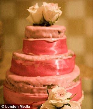 worst wedding cakes  disastrous