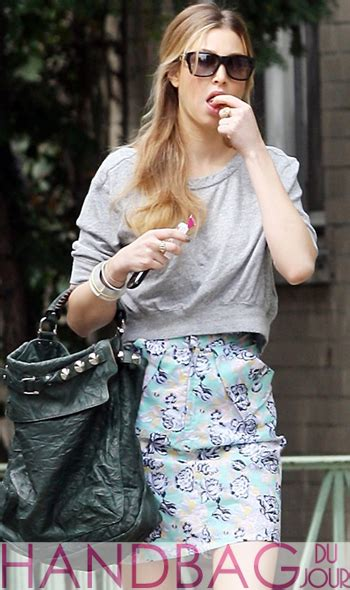 wallpaper gallery whitney port wardrobe malfunction star