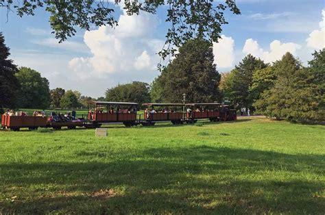 Britzer Garten Bimmelbahn by Britzer Garten Entspannt Durch Das Herbstliche Berlin