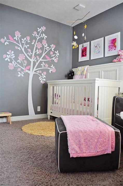 acheter chambre bébé décoration pour la chambre de bébé fille arbre sur le