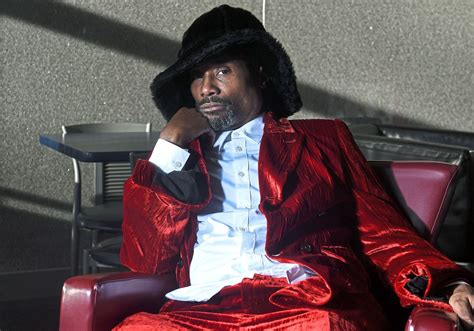 Golden Globe Nominee Billy Porter Returns Home Help His