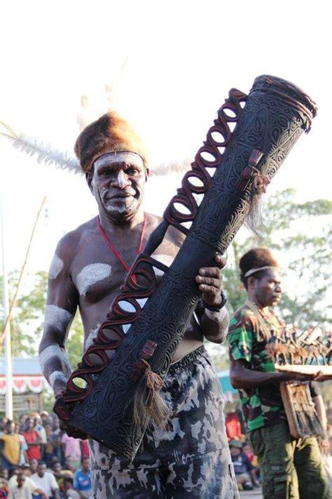 Di lingkungan kita banyak sekali salah satunya adalah alat musik. Tiga Alat Musik Kebanggaan P | Artikel Musik Indie