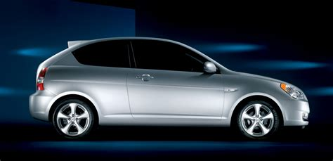 cheap  green  hyundai accent   nissan versa