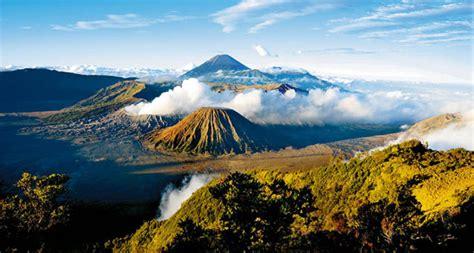 objek wisata gunung bromo tempat indah  jawa timur