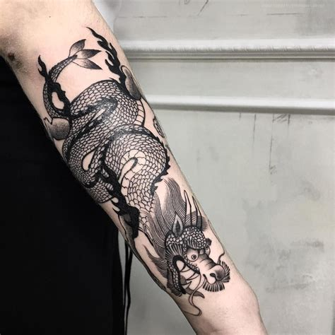 traditional tattoo  dragon  japanese