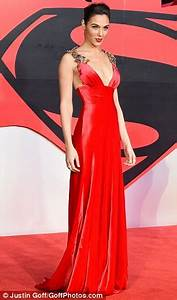 KATCHING MY I: Gorgeous Gal Gadot is a Wonder Woman in ...
