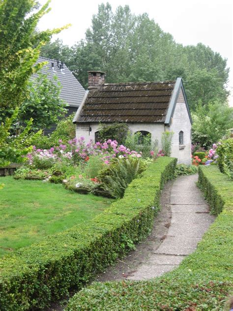 Cottage And Garden In Giethoorn, The Netherlands Flora