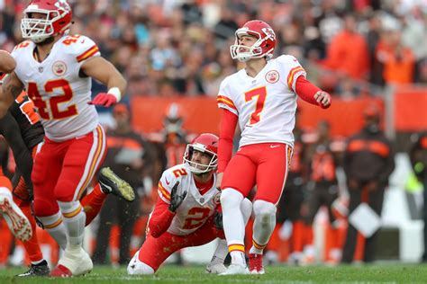 nfls field goal record  waiting   smashed
