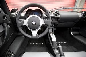 Tesla Roadster 2008-2012 interior | Autocar