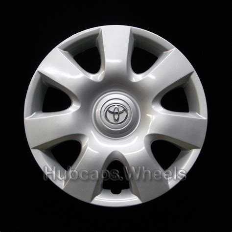 Toyota Hubcaps by Toyota Camry 2002 2004 Hubcap Genuine Factory Original