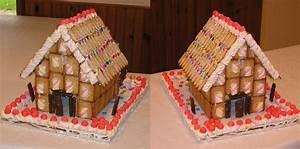 Gateau En Forme De Maison : les enfants et l 39 quipe p dagogique ont pr par cette maison en g teau sec et friandises ~ Nature-et-papiers.com Idées de Décoration