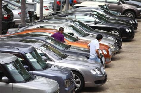 Customs Floats Luxury Car Tax Cut