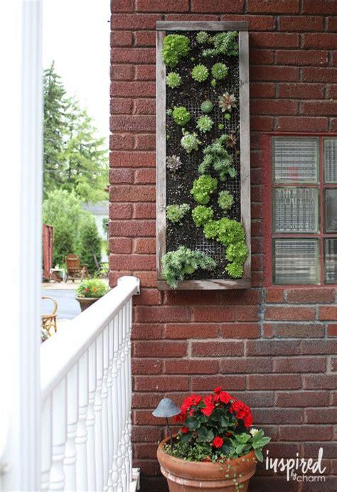 Vertical Wall Garden Planter by Best 25 Vertical Planter Ideas On Succulent
