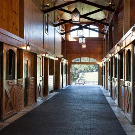 images  fancy horse barns  pinterest