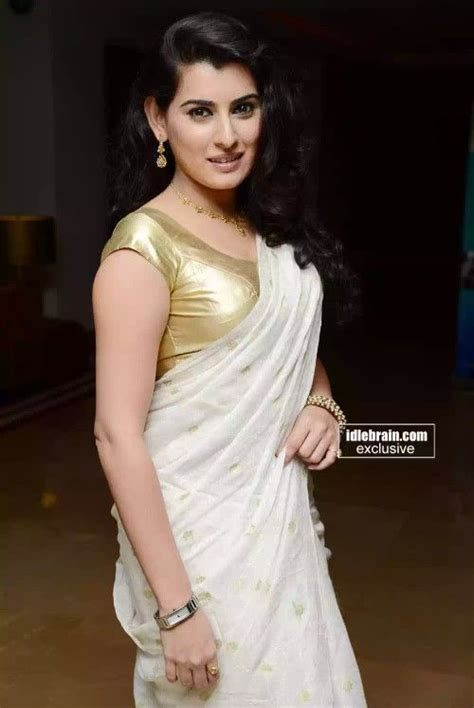 Tight Saree Draping - archana in saree with tight fit blouse exposing