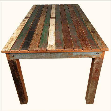 distressed wood dining table 25 bästa distressed wood furniture idéerna på pinterest