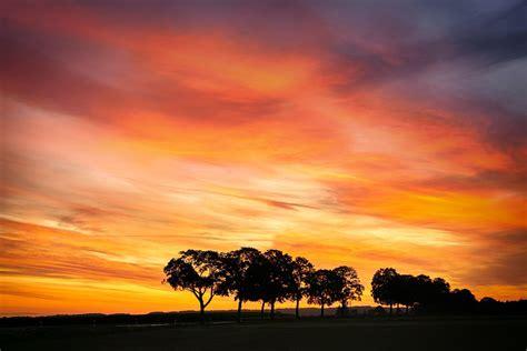 เฉดสีของท้องฟ้ากับช่วงเวลาและสภาพอากาศต่างๆ