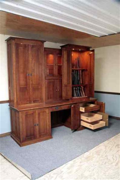 Amish Cabinet Makers Arthur Illinois by Amish Made 14 Gun Cabinet Gun Cabinetry Gun