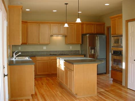 16 Samples Of Kitchen Molding Custom Ideas For Your