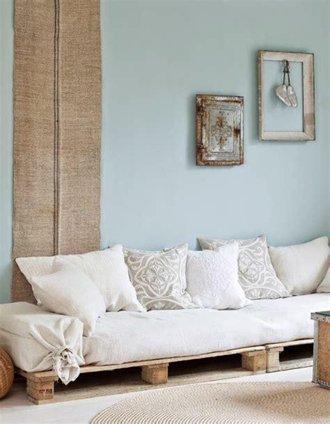 canapé en palette en bois la palette en bois dans tous ses états décoration