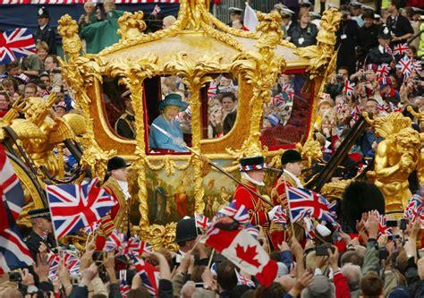 celebrating golden jubilee in 2002 elizabeth