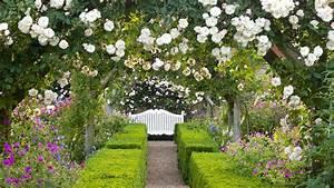 Rachel De Thame U2019s Symmetrical Garden Design Guide