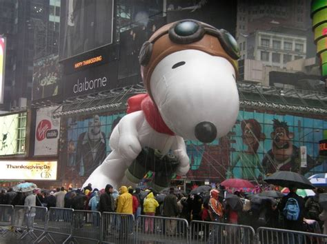 macys thanksgiving day parade launched   balloons