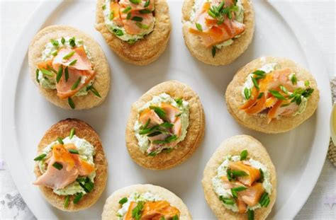 canape s smoked salmon and pea vol au vents recipe goodtoknow