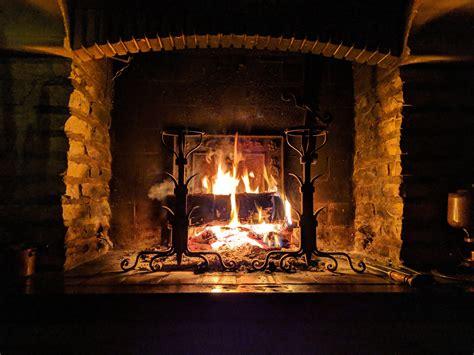 installazione camino a legna camino a legna ventilato caratteristiche tecniche e