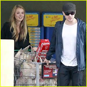 Ryan Phillippe: Grocery Shopping with Paulina Slagter ...