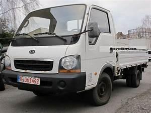 Kia K2700 Platform 2004 Stake Body Truck Photo And Specs
