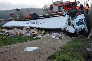 Accident N20 Aujourd Hui : en images spectaculaire accident de poids lourd sur la rn 21 en dordogne sud ~ Medecine-chirurgie-esthetiques.com Avis de Voitures