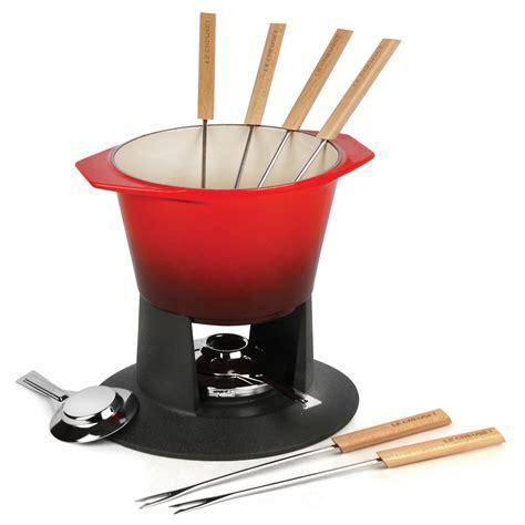 le creuset cast iron traditional fondue set  quart cherry red cutlery