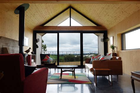 micah  jones architect grand designs county