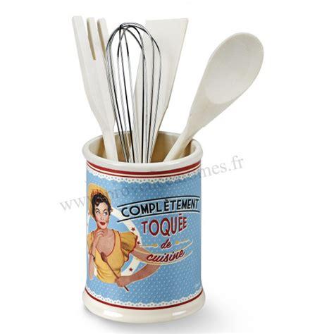 toqu駸 de cuisine ustensile de cuisine vintage maison design bahbe com