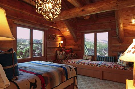 + Gorgeous Log Cabin Style Bedrooms To Make You Drool