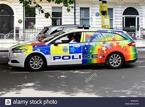 Polizei Auto Kaufen : polizei auto in regenbogen farben farben f r stolz in ~ Jslefanu.com Haus und Dekorationen