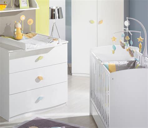 meuble chambre de bébé chambre bébé nature blanche photo 4 10 lit et meuble à