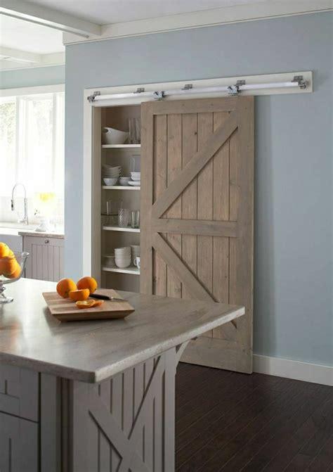 porte placard cuisine la porte coulissante en 43 variantes magnifiques
