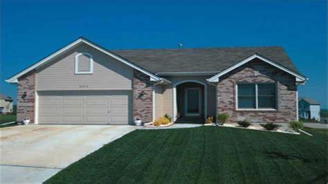 prairie style ranch house plans small prairie style small prairie style house plans contemporary prairie style