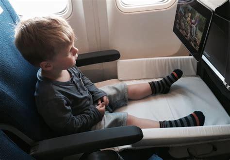 siege d avion bed box de jetkids un lit pour enfant dans l 39 avion bb