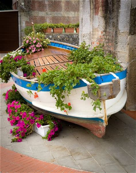 Old Boat Repurpose by 5 Seriously Smart And Creative Ideas For Repurposing Boats